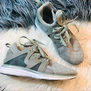 APL Ascend shoes